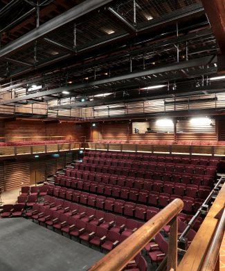 BXT133-Auditorium4203